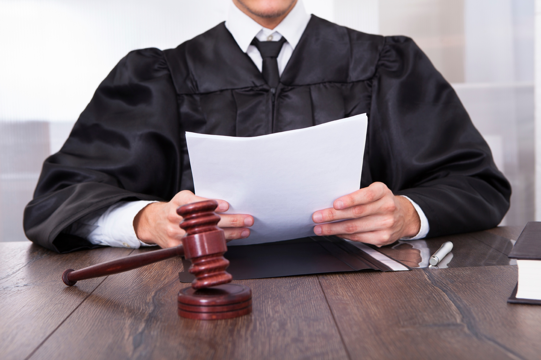 iStock_000033519458_Large_judge_court_attorney.jpg